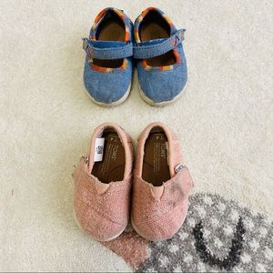 TOMS Toddler Girl Velcro Strap shoes Lot Size 4T